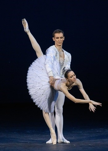 Bolshoi Ballet: Jewels 19/20 Season